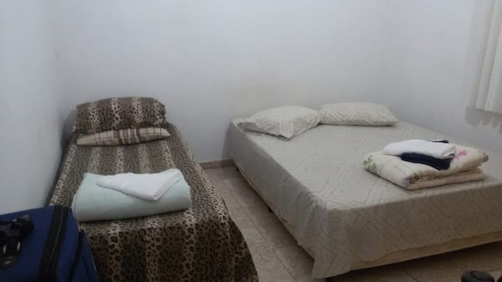 Ap 2 dorms 5 camas alugo mobiliado Ribeirão Preto