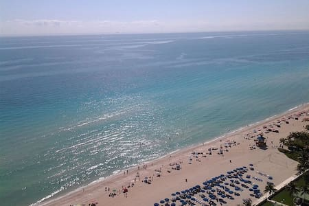 OCEAN FRONT apartment GREAT VIEW! - Sunny Isles Beach - Daire