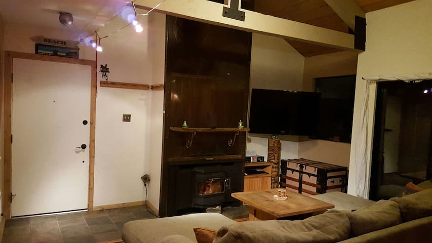 2 bedroom condo near the village - Mammoth Lakes - Dům