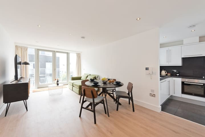 Delightful 1BR with Amazing View/River Liffey