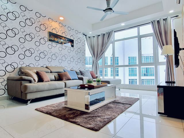 Central Residence @ Sungai Besi by BeeStay [6 pax]