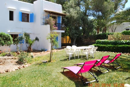 Villa in calador at 50 meters from the beach - Santanyí - Maison