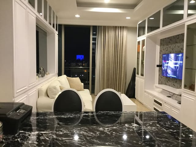Stylish 1 Bed Apt in Central SCBD Jakarta