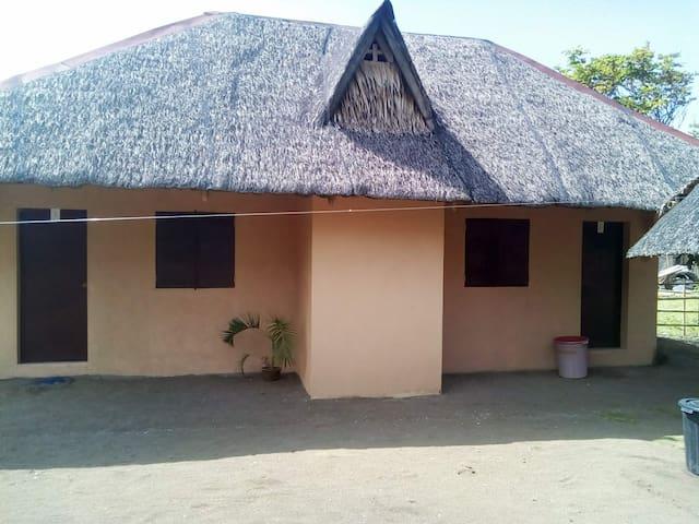 Magindara Guesthouse Concrete Cabana 1