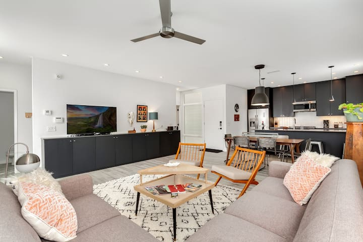 """The perfect open ground floor living and dining area waiting for you to kick back and relax in front of the 55"""" HDTV with Netflix and cable"""