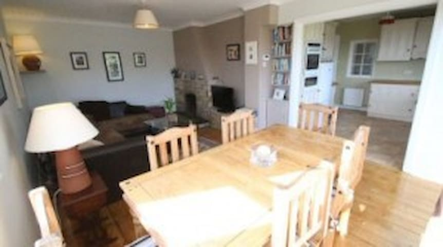 3 Bedroom house in Carrigaline - Carrigaline - Hus