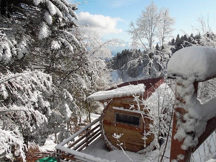 Habitation/Tonneau au Col de la Faucille