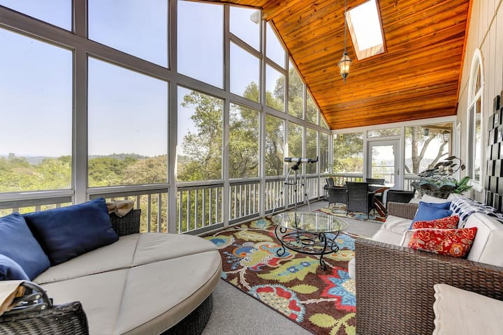 Relax in this beautifully designed enclosed porch and enjoy panoramic views of the canyon, stretching to the Sierras!