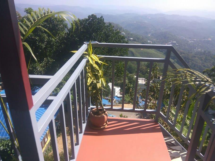 Infinite Mountain View