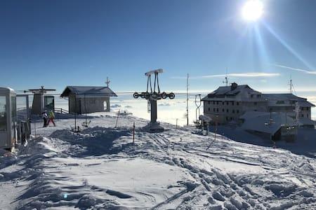 Apartment AURORA Ski KRVAVEC