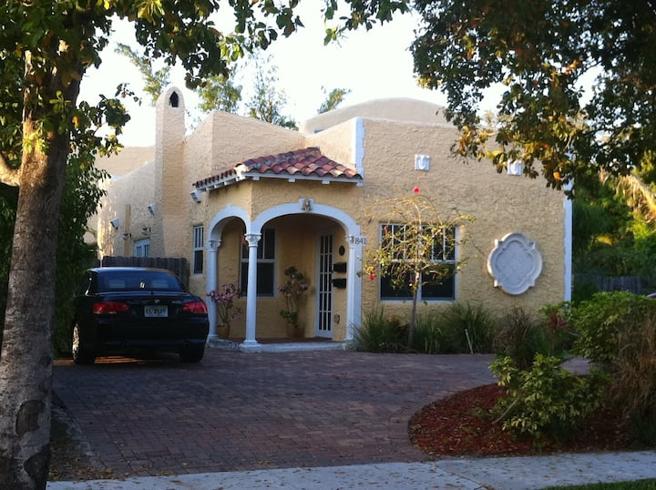 Florida Spanish Style Private Guest House!