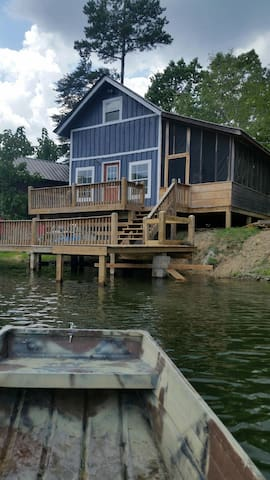 Lake house cabin - Rising Fawn - กระท่อม