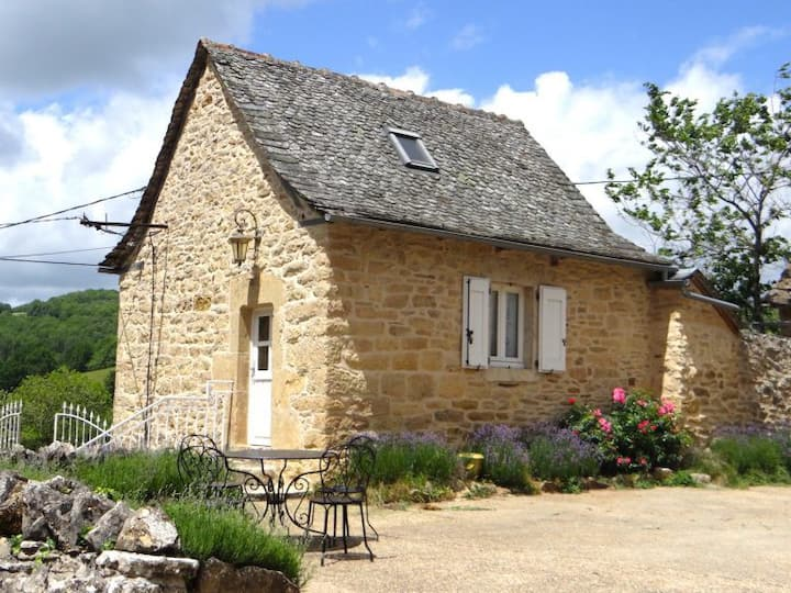 Ancienne maison de gardien près de St Come d'Olt