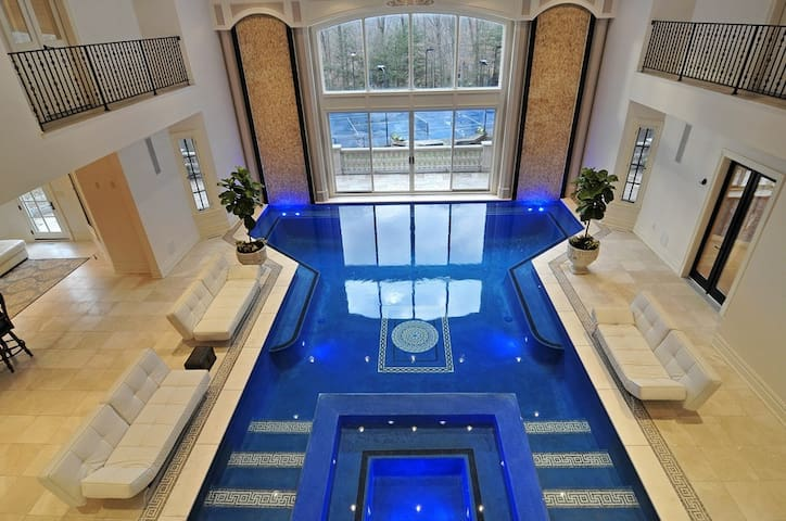 Castle Near NYC With Indoor Pool and Tennis Court - Saddle River - House