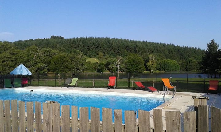 Nice family holidays place, heated swimming-pool !