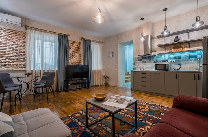 apartment in the old part of tbilisi, sololaki 2