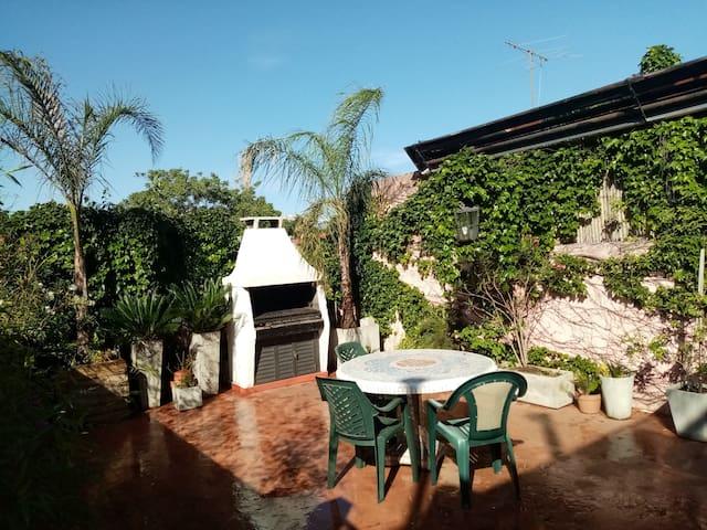 Casa con terraza y parrilla, en Palermo Hollywood