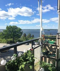Fantastic flat w/great view of lake - Kallhäll