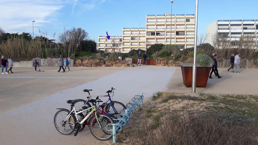 Vue de l'Immeuble Voilier II depuis la promenade