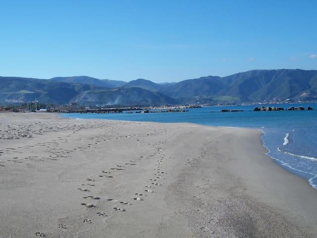 Casa a 30 metri dalla spiaggia mare a Tonnarella