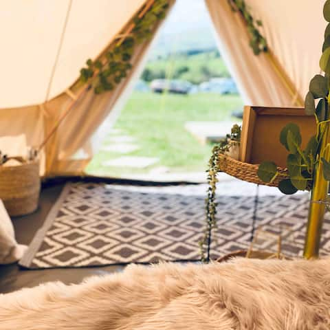 Ty Cerrig Bell Tent - Stunning Views