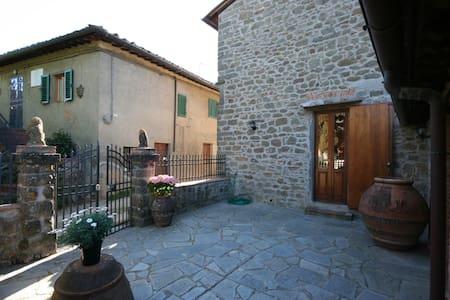 Casa Allinuzza, sleeps 4 guests - Greve in Chianti