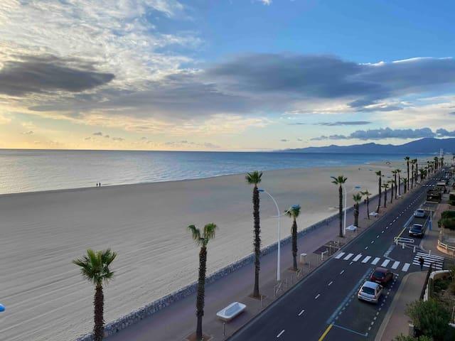 Charmant appartement à canet plage front de mer