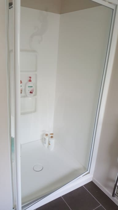 Separate shower, bath and toilet