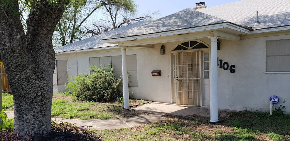 Chapman House - Carrizo Springs