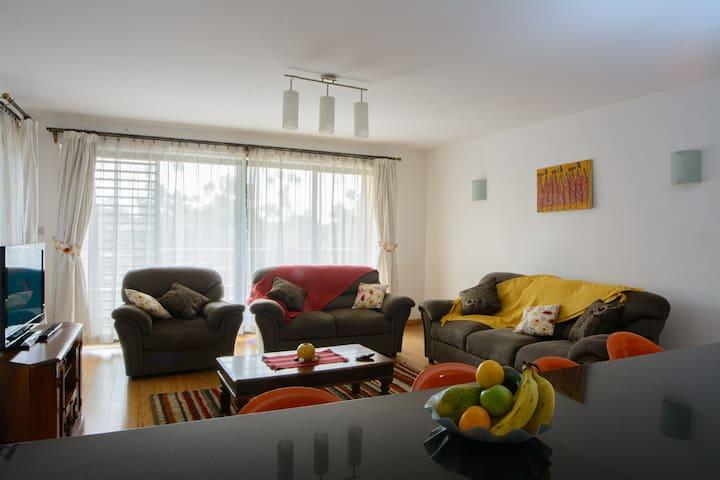 Classy, spacious, tastefully furnished 2bd apt