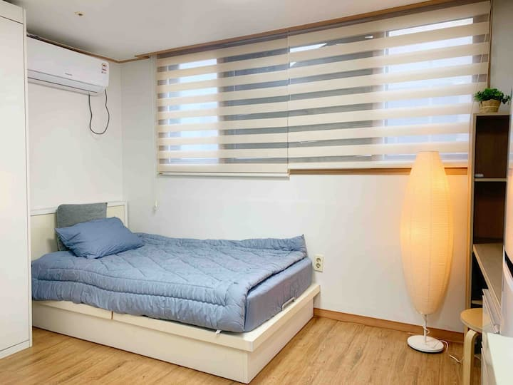 [Sinchon] 1 Single Bed One Room A / Station 10min