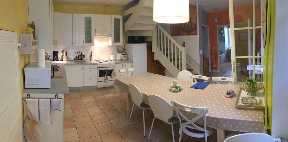 Cuisine et salle à manger premier étage