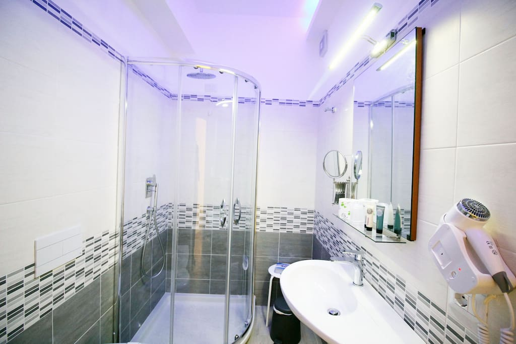Camera da Letto Matrimoniale con Bagno Privato -