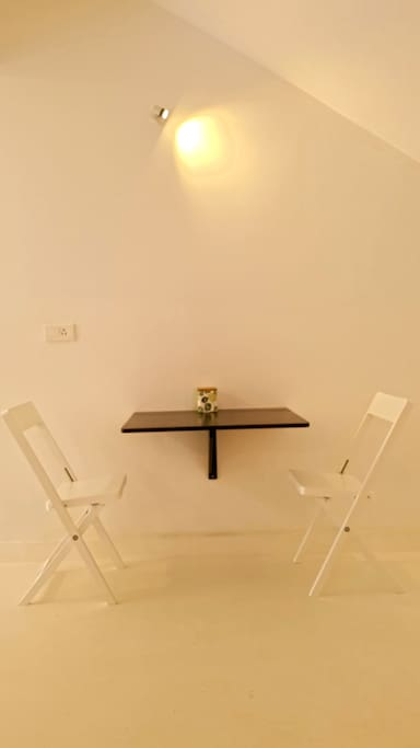 An Intimate Breakfast or tea ? Or perhaps a meeting .. for an ingenious & Cunning plan ?
