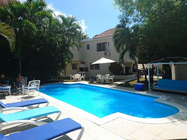 Villa  privada en Juan Dolio a 2 mins de la Playa