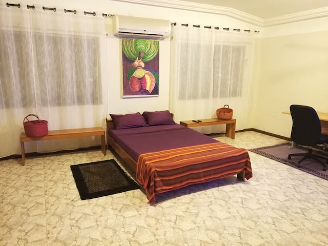 Bedroom (c) & Pool Near Univ. of Ghana & Airport