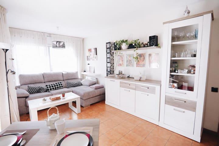 Luminosa habitación en el centro de Tarragona