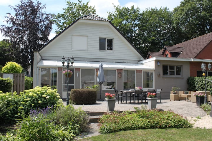 Gezellig huis met tuin  'DE BEUK'