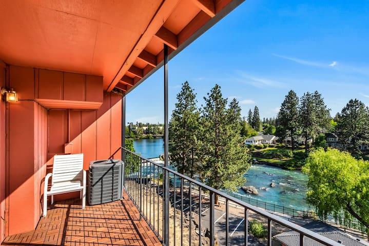 Riverside condo with balcony in downtown Bend