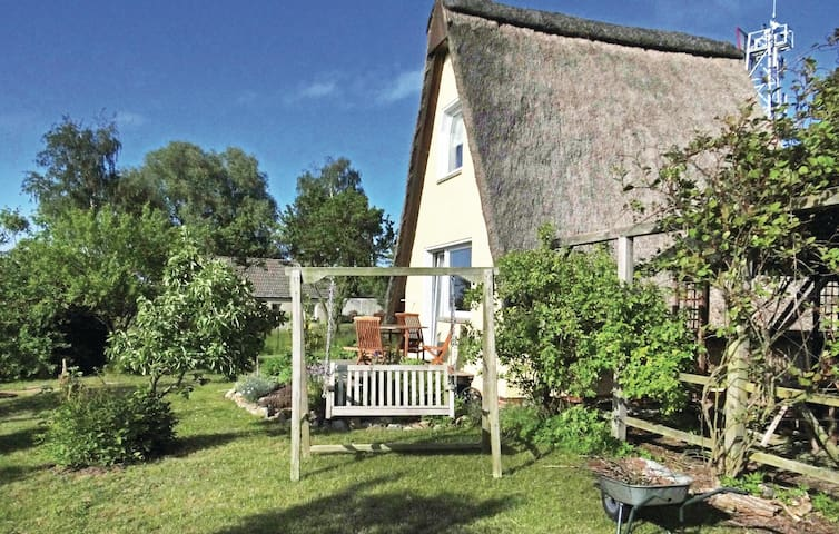 Holiday cottage with 1 bedroom on 32 m² in Hohen Wieschendorf