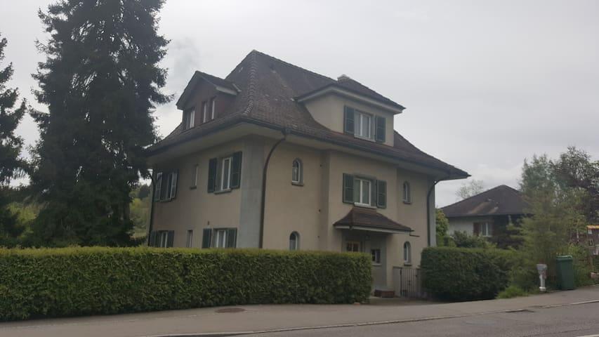 Villa Köniz - Doppelzimmer / Einzelzimmer