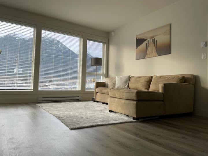 Private room in downtown Squamish