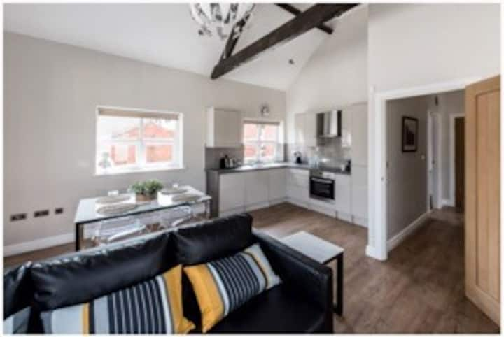Stunning Town Centre Apt with Roof Terrace & Views