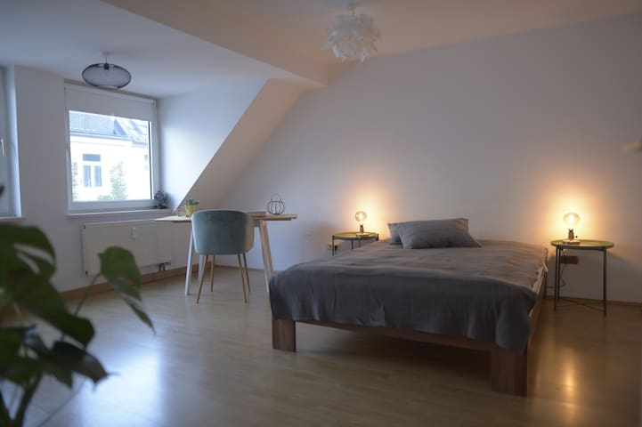 Modern backyard apartment in the heart of Munich
