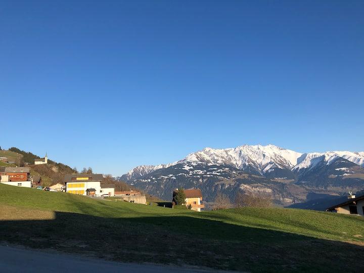 Siat,wunderschöne Aussicht in die Bergwelt.