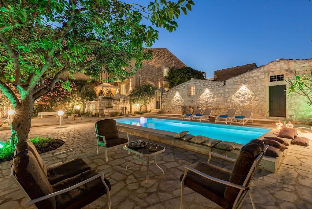 Villa la forma dell 39 acqua villa con piscina villas for - Villa con piscina sicilia ...
