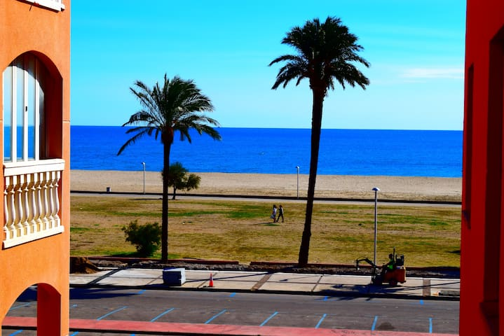 Nice apartment near of beach ans center with pool-305
