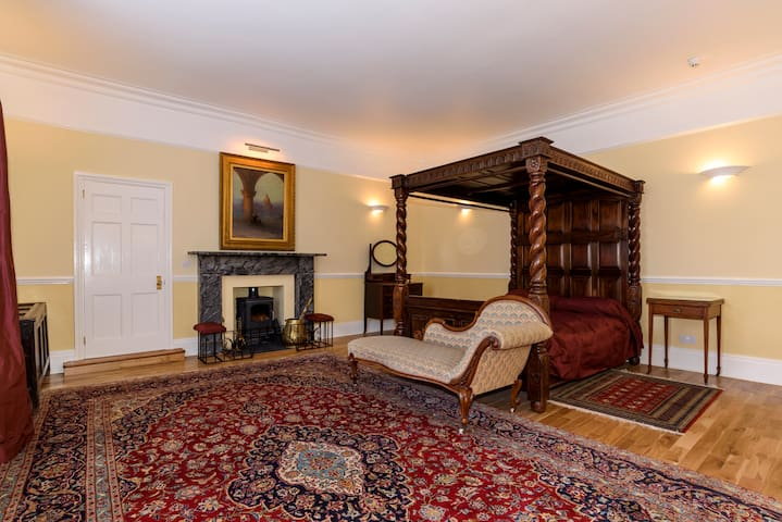 Quiet self-catering apartment on Welsh border