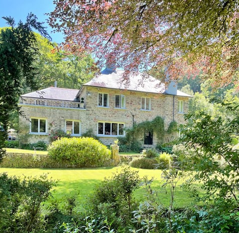 *New* Stunning 5 bed Country House  - Dogs Welcome
