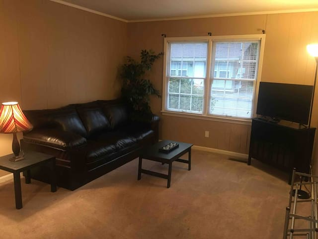 Monthly rental. Centrally located 2 bedroom